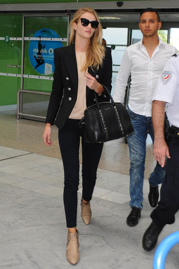 Rosie Huntington Whiteley arriving at Nice Airport. Pictured: Rosie Huntington Whiteley Ref: SPL765794 230514 Picture by: Gigi Iorio / Splash News Splash News and Pictures Los Angeles: 310-821-2666 New York: 212-619-2666 London: 870-934-2666 photodesk@splashnews.com