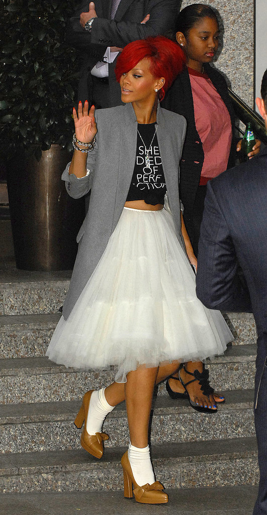 Rihanna-took-romantic-tulle-skirt-turned-its-head