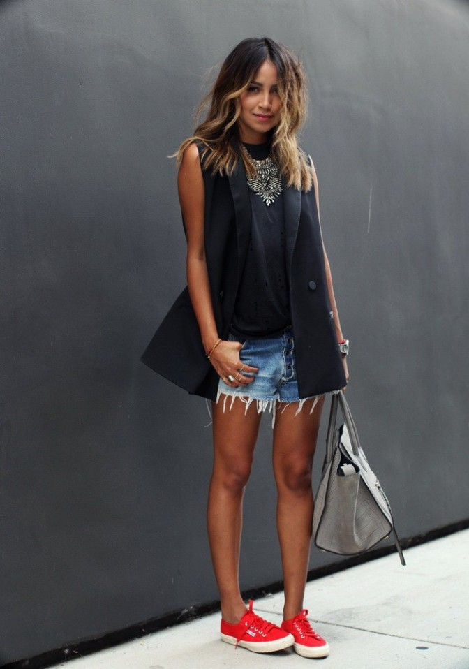 Womens-Vests-Street-Style-3-700x998